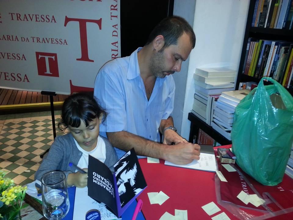 Andre  Dahmer e a filha Nina