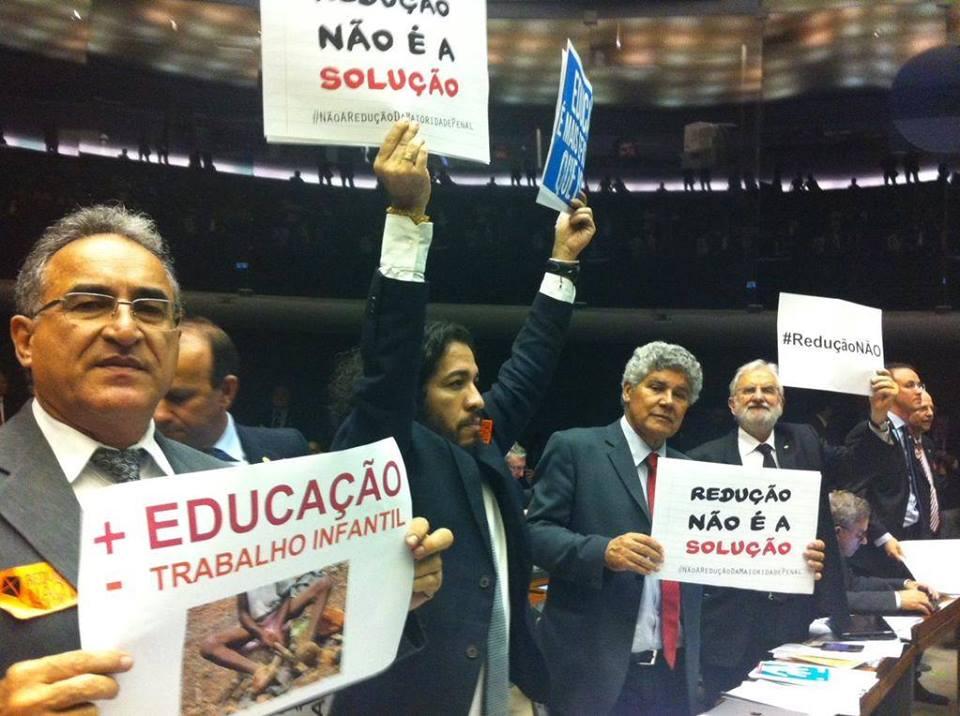 Na Cãmara dos Deputados proposta de redução da maioridade penal não passou. - Foto - reprodução da página de Chico Alencar.