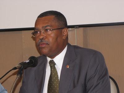 DPF José Washington Luiz Santos que, no mínimo, prevaricou, foi poupado. foto:policiapenaldealagoas.blogspot