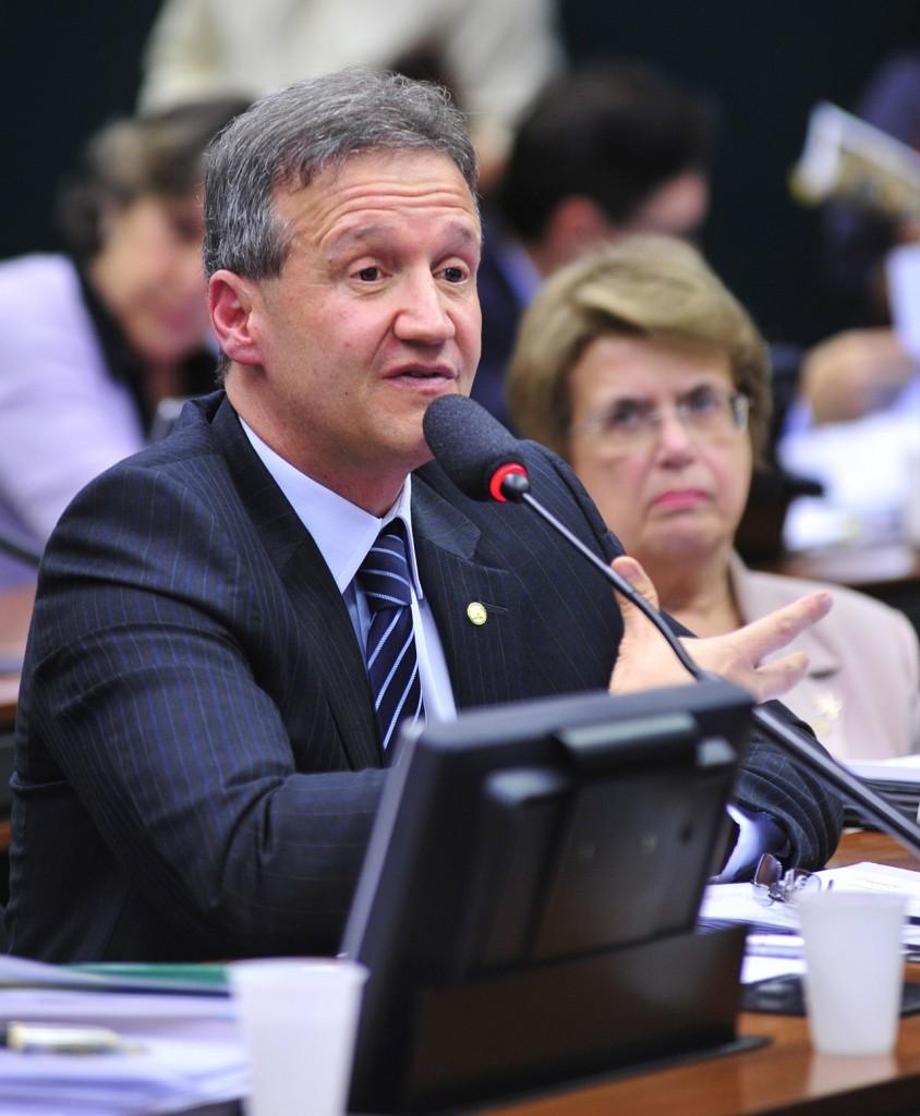 Aluísio Mendes Guimarães: responsáveis devem responder legalmente Foto: Zeca Ribeiro/Câmara