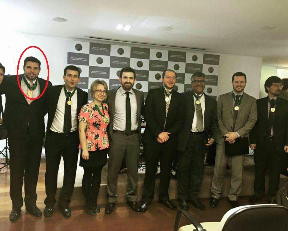 O delegado Moscardi na premiação aos delegados da Lava Jaro pela Associação de Delegados da Polícia Federal - foto: reprodução.