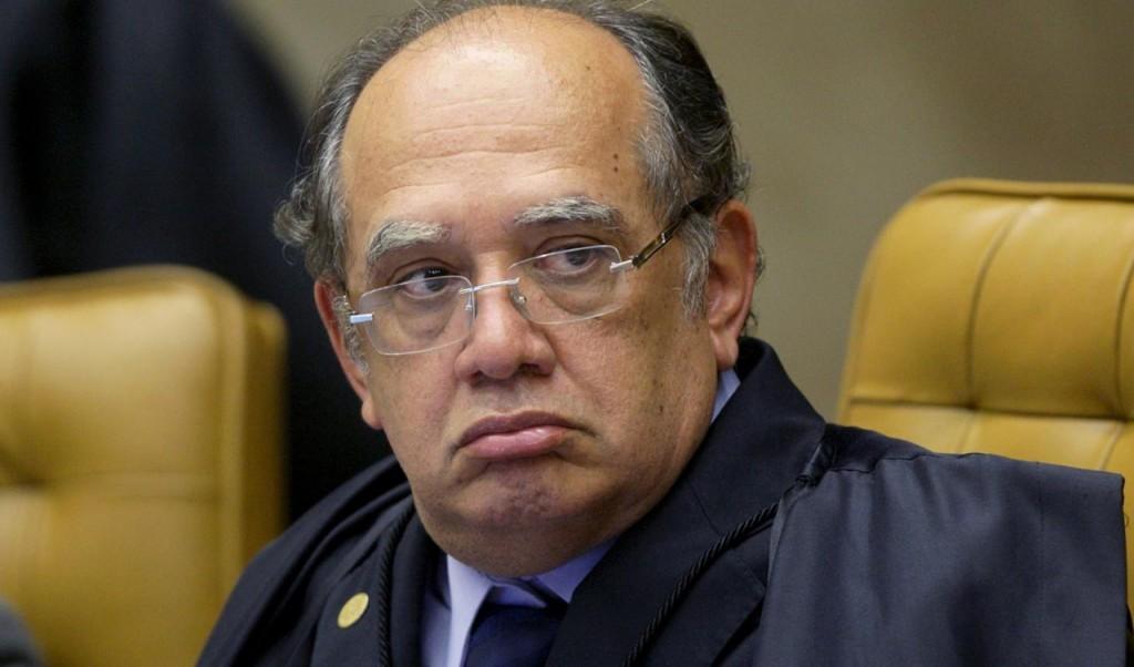 Se o impeachment não passar, a oposição irá apostar suas fichas no trabalho do ministro Gilmar Mendes, que estará na presidência do TSE, para cassar a chapa Dilma/Temer. Caindo um, caem os dois.