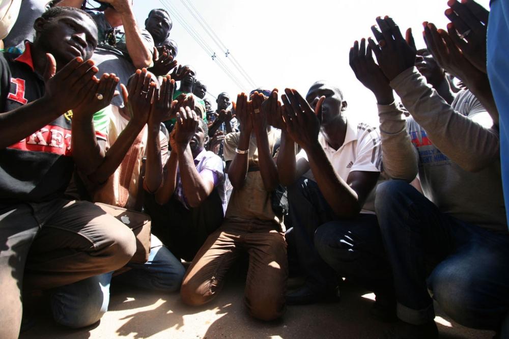 Haitianos em um abrigo na cidade de Brasiléia (AC), fronteira com a Bolívia. Foto Reprodução