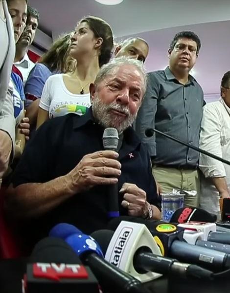 Lula na entrevista coletiva de sexta-feira quando prometeu sair em viagem pelo Brasil - Foto: PT.org.br