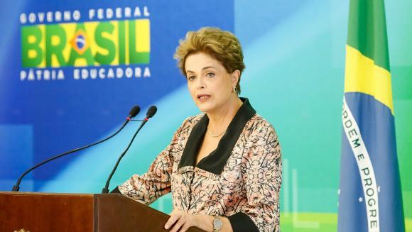 Para Gómez de Souza, preocupações eleitoreiras com 2018 estão afastando a luta principal, que é a volta de Dilma. Foto Roberto Stuckert Filho - PR 22.04.16