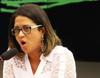 A contadora de Youssef, Meire Poza, passou quatro horas prestando depoimento na Procuradoria Regional da República em São Paulo.