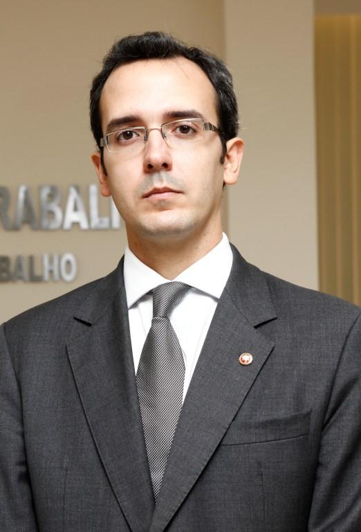 Thiago-Gurjão-Alves-Ribeiro-MPT (Medium)
