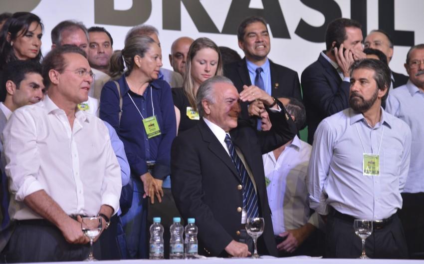 """Michel Temer já não consegue enxergar o resultado do """"salto"""" classificado como premeditada por Renan Calheiros. Foto Reprodução"""