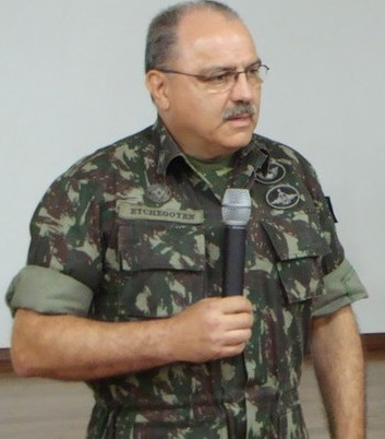O general Sérgio Etchegoyen vem de uma família ligada à repressão política durante a ditaduras militar. Seu tio, Ciro, foi um dos criadores da Casa da Morte.