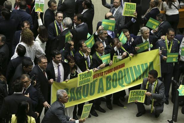 A oposição, desde novembro, quando confirmada a reeleição de Dilma, joga para derrubar o governo. Foto Câmara dos Deputados