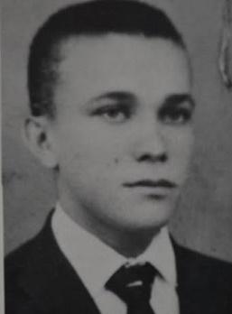 Ezequias Bezerra da Rocha, assassinado sob torturas, aos 28 anos, em 1972. A verdade reaparece 24 anos depois.