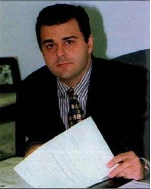 Na reportagem de Veja, em março de 2001, a primeira a veicular as denúncias contra Michel Temer, a foto de Marcelo de Azeredo (Reprodução)