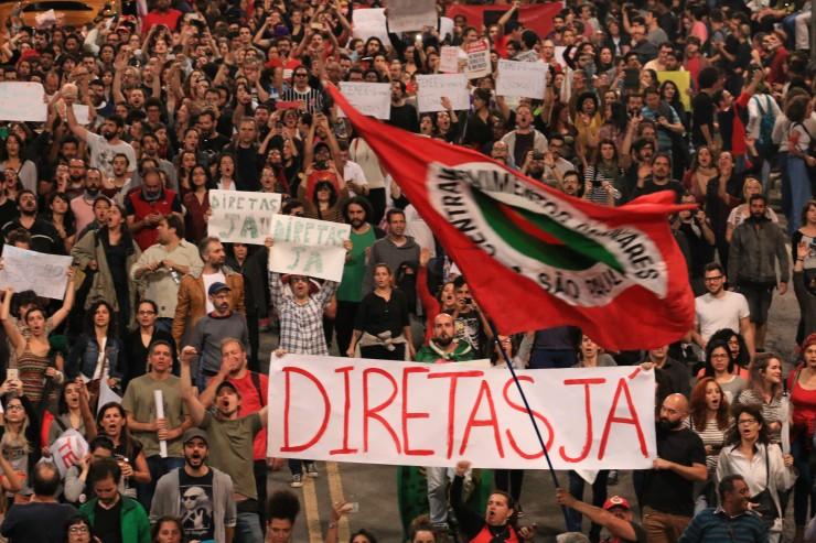 O golpe que derrubou Dilma Rousseff pode ter síido pela culatra para os tucanos que estão de olho no poder. Reasce a campanha pelas Diretas Já