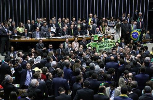 Na sessão da Câmara que decidiu pelo impeachment de Dilma apenas quatro deputados votaram com base no parecer do relator. Foto: Antônio Augusto/Câmara dos Deputados